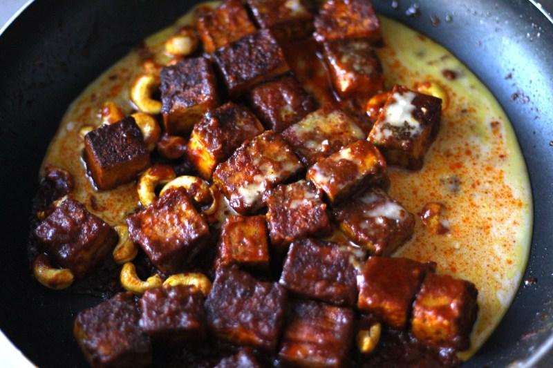 sticky red curry tofu rice bowls vegan gluten free vegetarian cashew coconut zenanzaatar recipe food blog