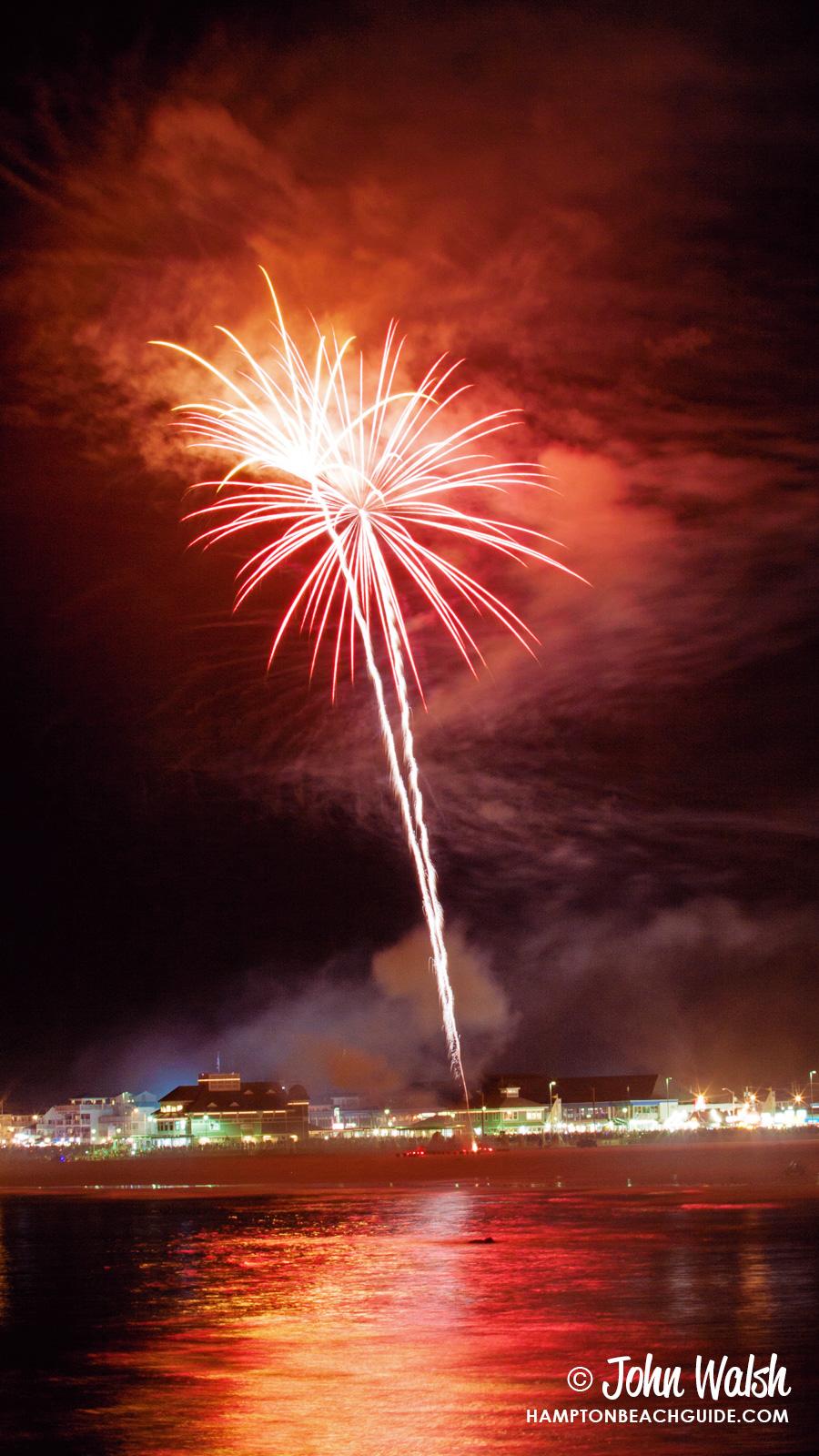 hampton-beach_nh_fireworks-153