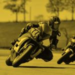 Kenapa Pembalap MotoGP Waktu Belok Posisinya Miring Banget Tapi Nggak Jatuh? 103