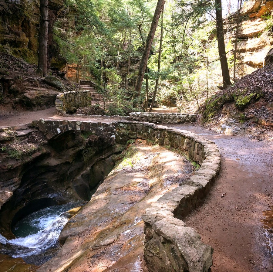 Hiking In Hocking Hills State Park | Logan, OH | USA | Old Man's Cave, Devil's Bathtub