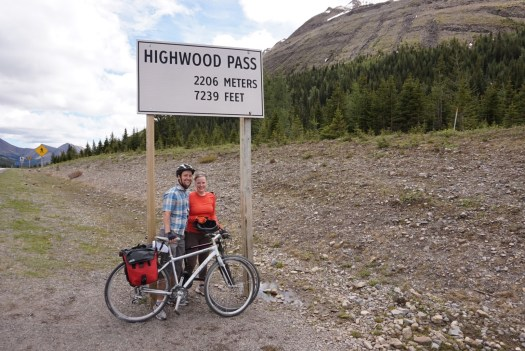 Cycling to the top of Highwood Pass