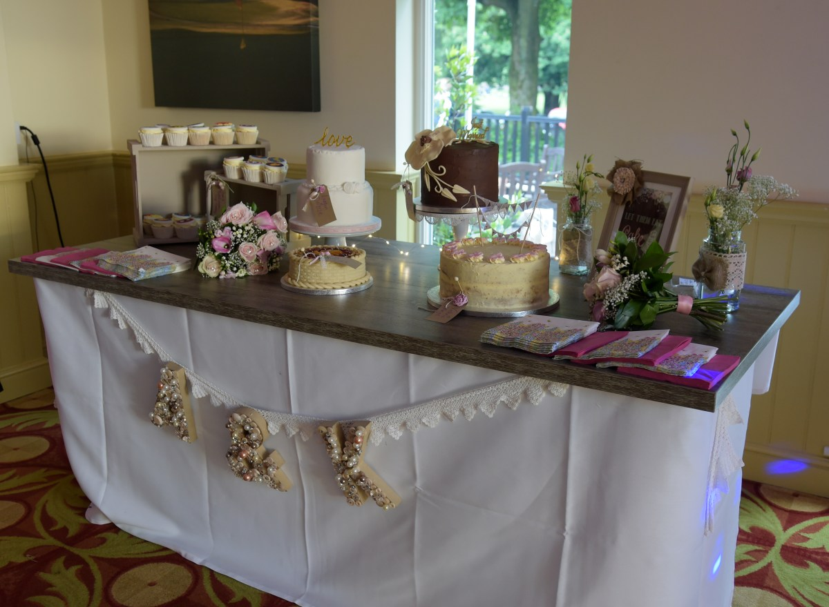Beautiful Cakes & Desserts Display