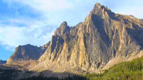 Montana Beartooth Mountains Hiking Adventure