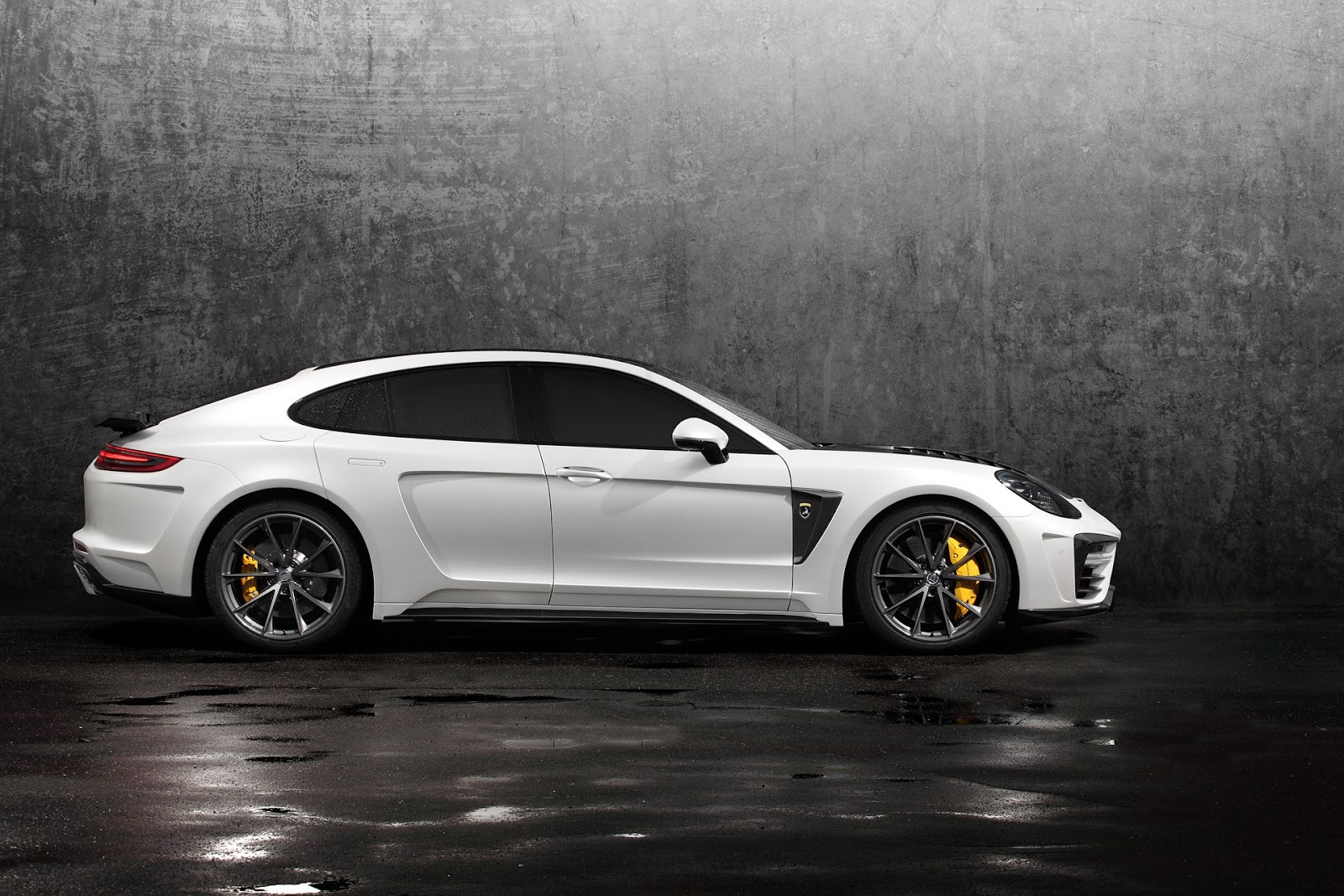Topcar Package For New Porsche Panamera Is Extreme