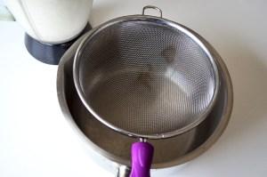 Filtrer le lait végétal