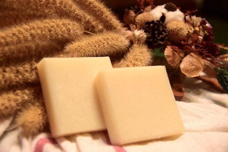 Cosmétique : et si vous adoptiez le shampoing solide pour vos cheveux!