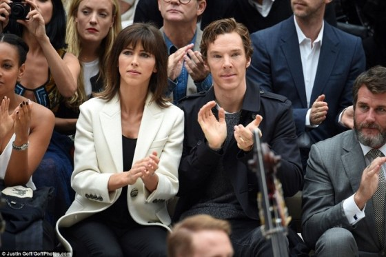 2C99D9DD00000578-3243288-Round_of_applause_The_Cumberbatches_looked_impressed_with_the_pr-a-210_1442849087254 (Custom)