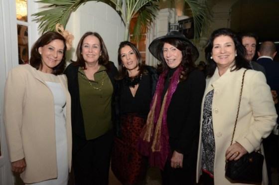 Cristina Almeida, Gilda Carvalho, Helena Taunay, Ana Maria Tornaghi e Sofia do Rego Lins