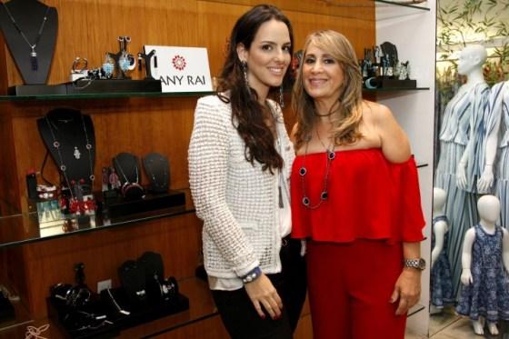 Priscila Casz e Regina Michaela