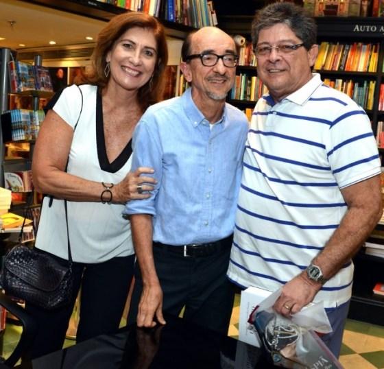Joaquim Ferreira dos Santos entre Silvia e Carlos Alberto Chateaubriand