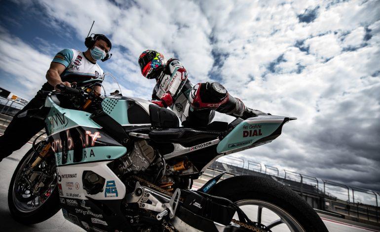Mondiale Superbike 2021: FERVI si fa in tre