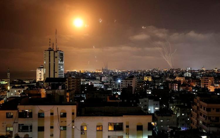 Razzi Hamas su Gerusalemme, Israele risponde: vittime