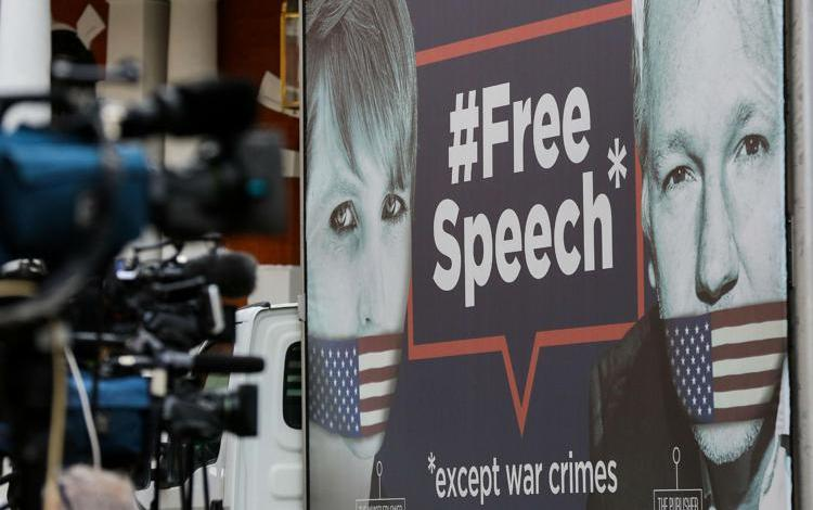 """Wikileaks, Stella Moris: """"La Cia voleva uccidere Assange"""""""
