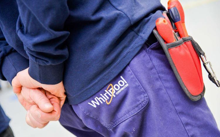 Whirlpool, fumata nera al Mise: 340 licenziamenti 'congelati' fino al 22