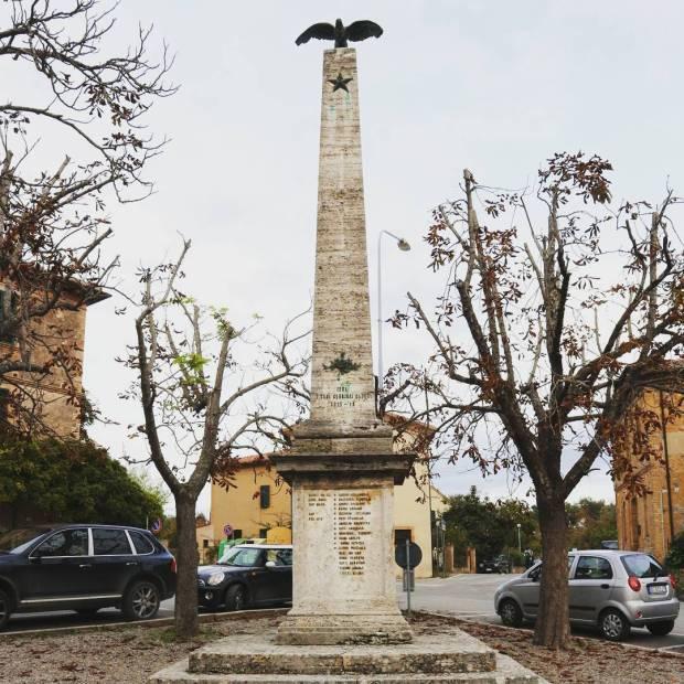 Monumento ai Caduti iesa tuscany igerssiena