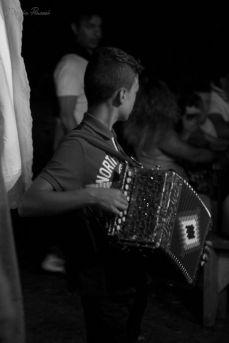 La fisarmonica, strumento immancabile nelle feste paesane
