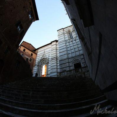 Scalinata da Piazza San Giovanni a Piazza Duomo