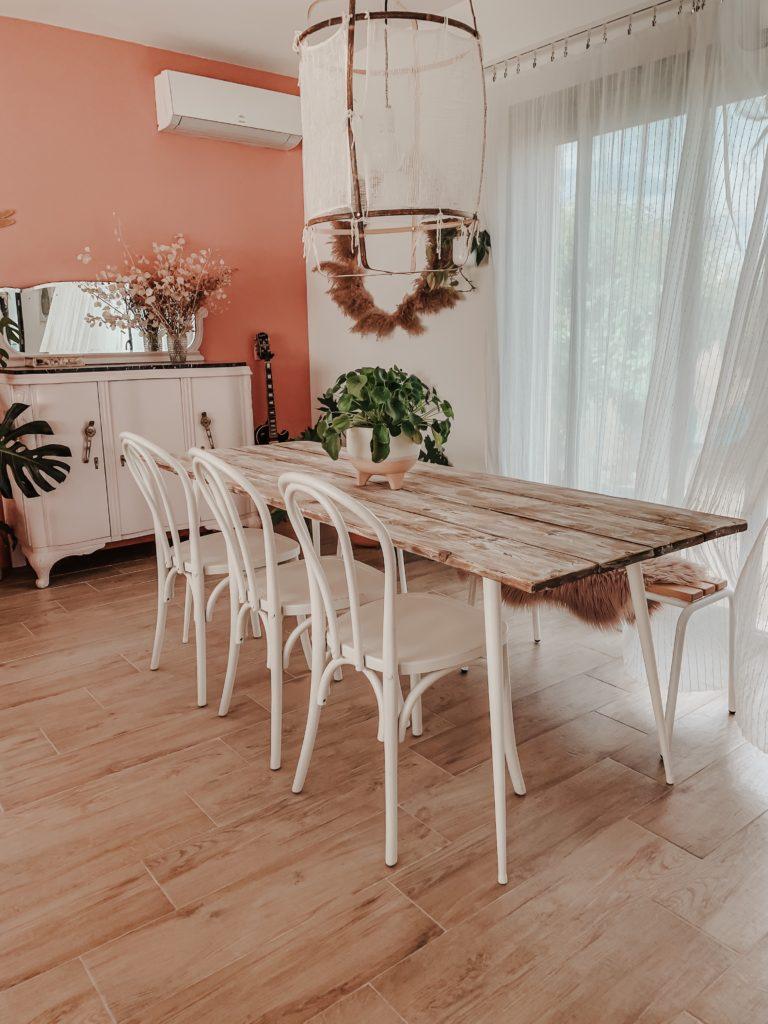 Diy Fabriquer Une Table A Manger En Bois Au Look Vieilli Et Patine Zess Fr Lifestyle Deco Diy Crochet Designer
