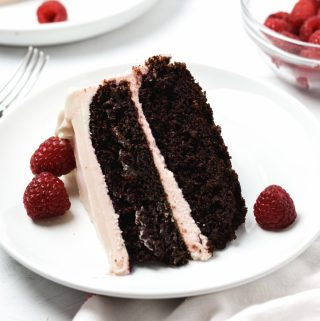 Gluten free chocolate raspberry cake - Zest and Lemons