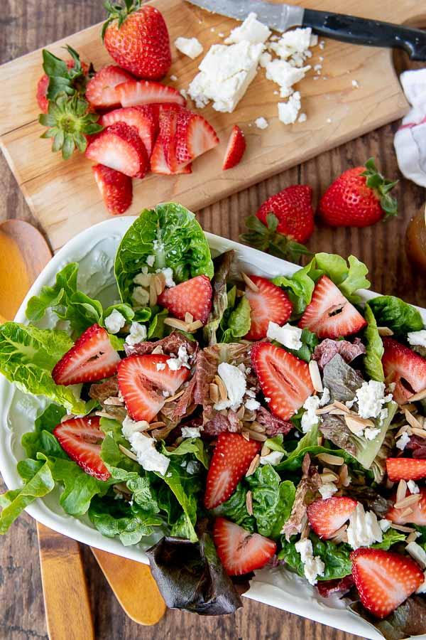 strawberry salad by Mama Gourmand