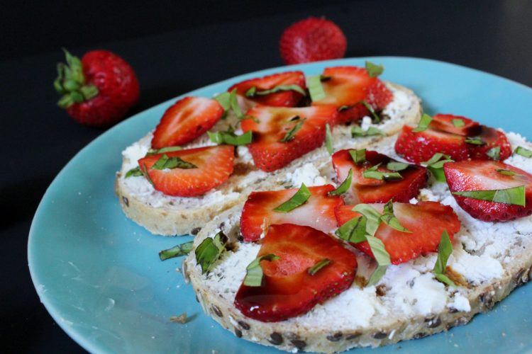 Strawberry Basil Goat Cheese Toast - tangy goat cheese paired with sweet strawberries and topped with basil and a balsamic drizzle turn everyday breakfast into a fancier affair! <yoastmark class='yoast-text-mark' srcset=