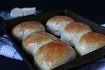 Easy Garlic Thyme Dinner Rolls - perfectly soft and fluffy dinner rolls that are ready within an hour! The delicious smell of garlic and freshly baked bread will fill your house as these bake. The recipe can easily be doubled up to make more rolls as needed.