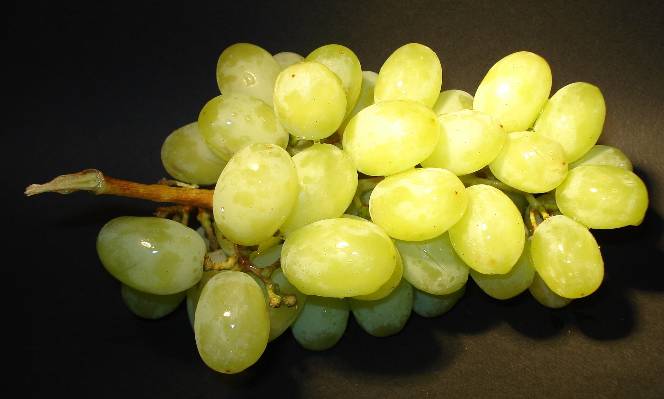 grapes_fruit_eat