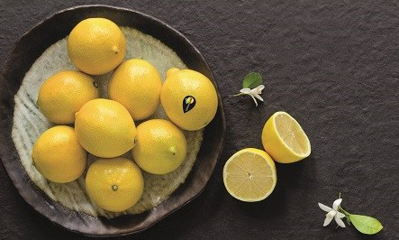 Demand picks up slightly on lemons