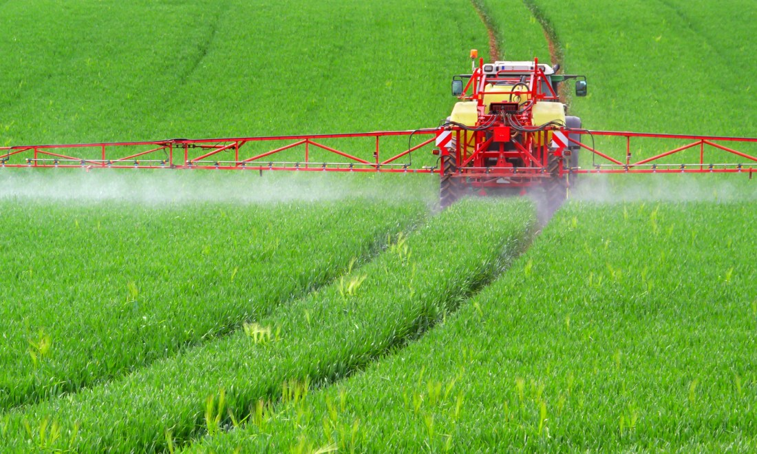 Reducing the application of fertilizers