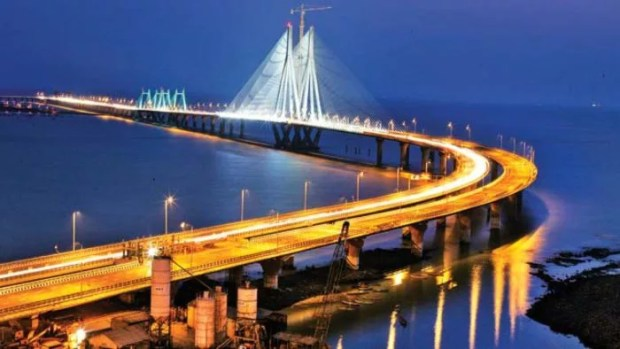 Bandra Worli Sea Link place for couples in mumbai