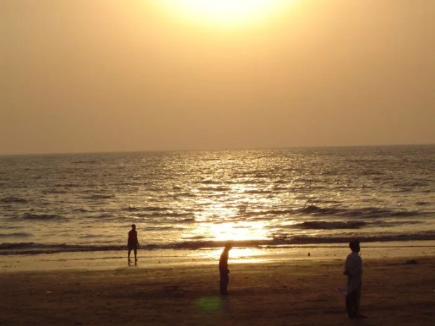 juhu beach best place for couples