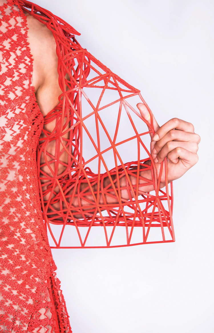danit-peleg-creates-full-3d-printed-fashion-collection-at-home-7