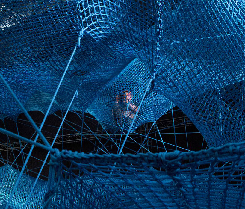 numen-for-use-tube-cologne-014