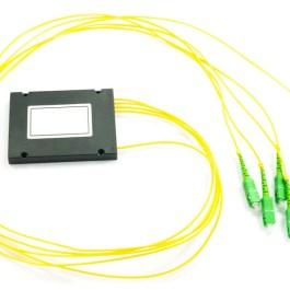 Splitter PLC 1x4 ABS box SM 2mm 1m SC/APC