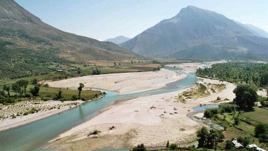 Photo of VIDEO/ Shenjat e digës së Kalivaçit, si po tentohet të transformohet Vjosa në një liqen