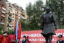 Photo of Rexhep Qosja: Pushteti, privilegjet dhe historia që po varroset. Një apel për mediat që merr shkas nga inaugurimi i shtatores së Selam Musait në Tiranë