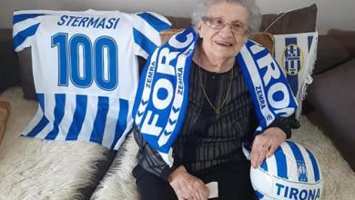 """Photo of """"Nona Tirona"""", gruaja e legjendës Selman Stërmasi feston 100-vjetorin e lindjes"""