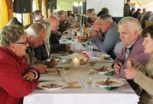 Photo of Frika e Covid, ministria 'urdhër': Si duhet t'i hamë vaktet ushqimore (FOTO)