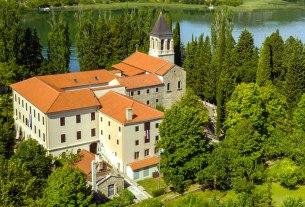 otok visovac / franjevački samostan