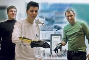 magic glove / mate rimac, luka bošnjaković i ivan vlainić / 2007.