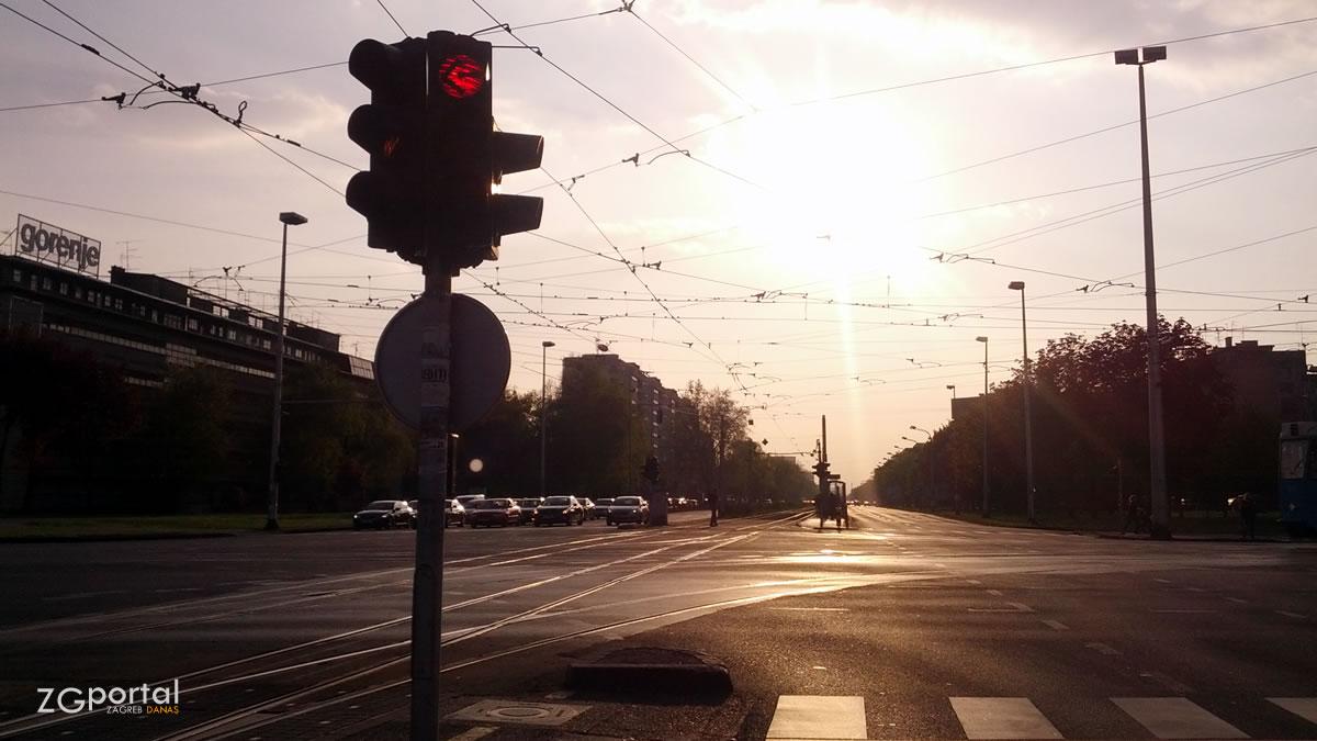 ljeto u zagrebu - ulica grada vukovara - travanj 2014.