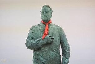 dan kravate - spomenik franji tuđmanu - zagreb, listopad 2020.