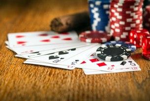 poker / 2021.