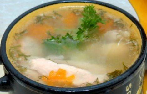 Уха с курицей и рыбой. Оригинальное, вкусное и сытное первое блюдо.