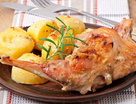 Кролик с овощами в духовке в рукаве. Восхитительно нежное мясо.