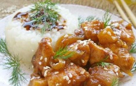 Курица в ананасах на сковороде рецепт. Потрясет контрастом вкусов.