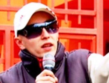 Hacker faimos, liderul rețelei Anonymus România, prins în județul Neamț