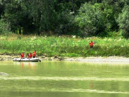 [FOTO] Tragedie pe Siret: Tatăl, fata și cei doi băieți au fost înghițiți de ape