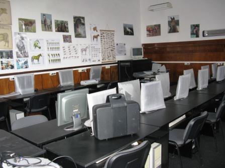 """Caravana Liceului Agricol """"Ion Ionescu de la Brad"""", prin satele din zona Roman"""