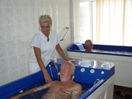 Pensionarii își caută de sănătate
